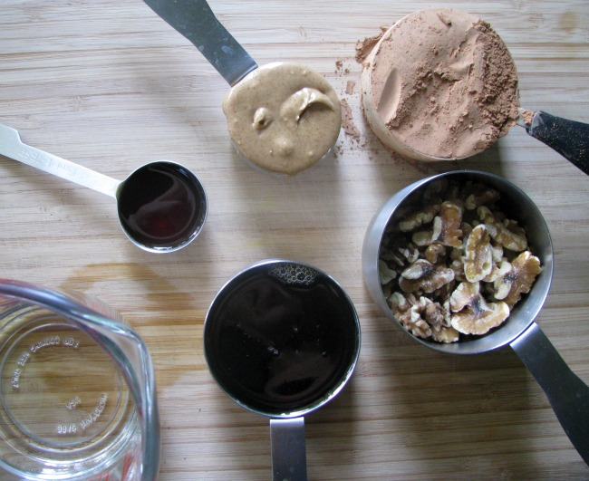 raw fudge ingredients