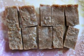 Raw Vegan Date & Tahini Bites